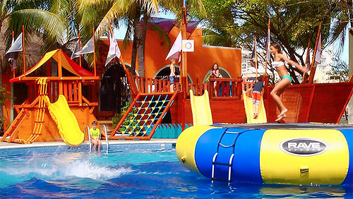 Water fun at Grand Oasis Palm and Oasis Palm resorts