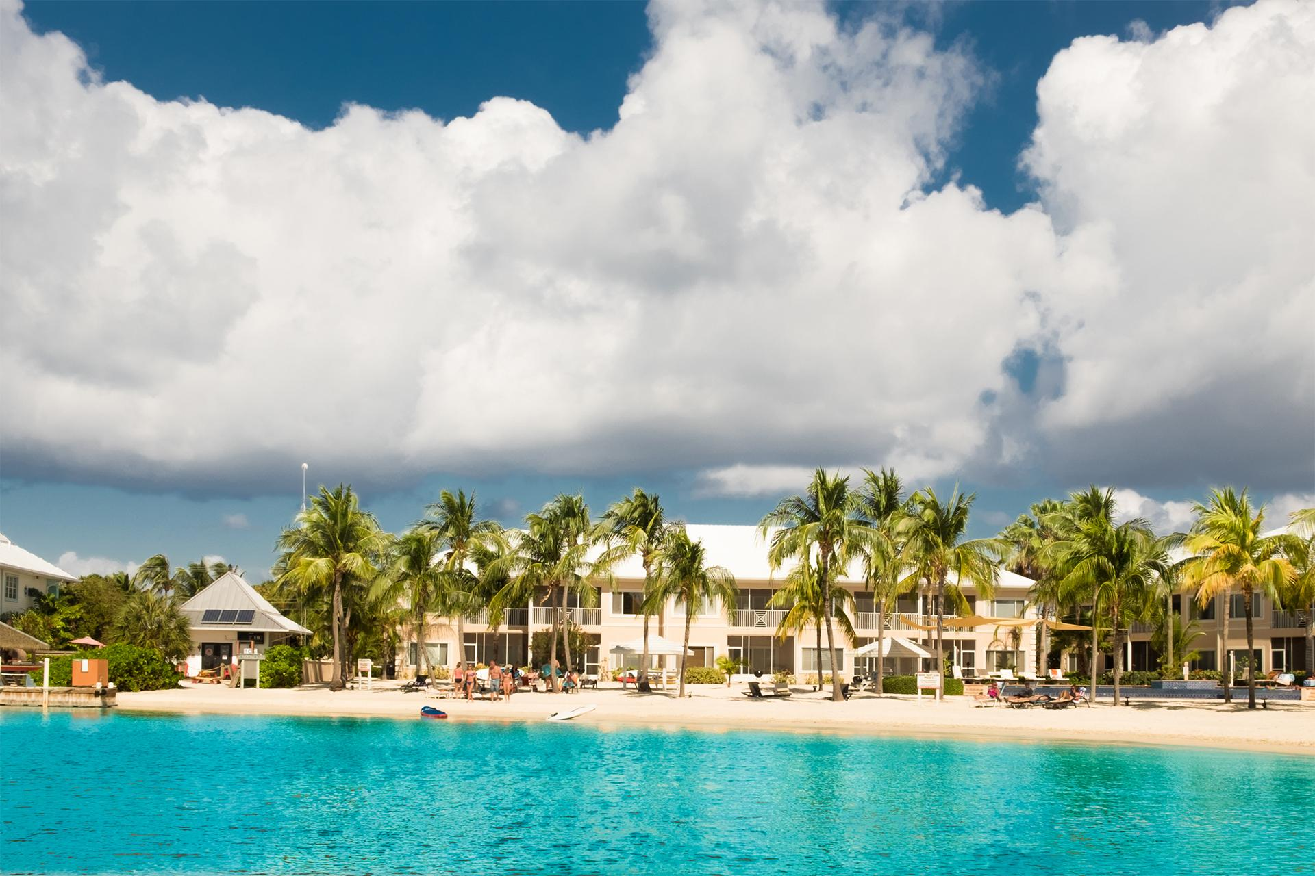 Ocean view resort with Cayman Islands vacation package