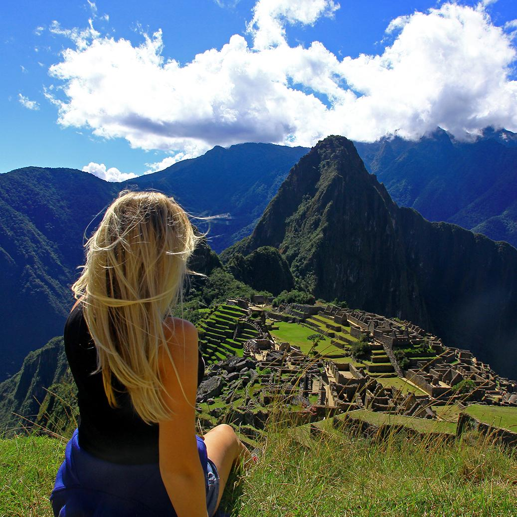 See it all with Contiki tours