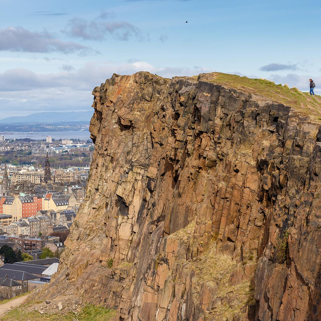 Hiking the cliffs in Edinburgh