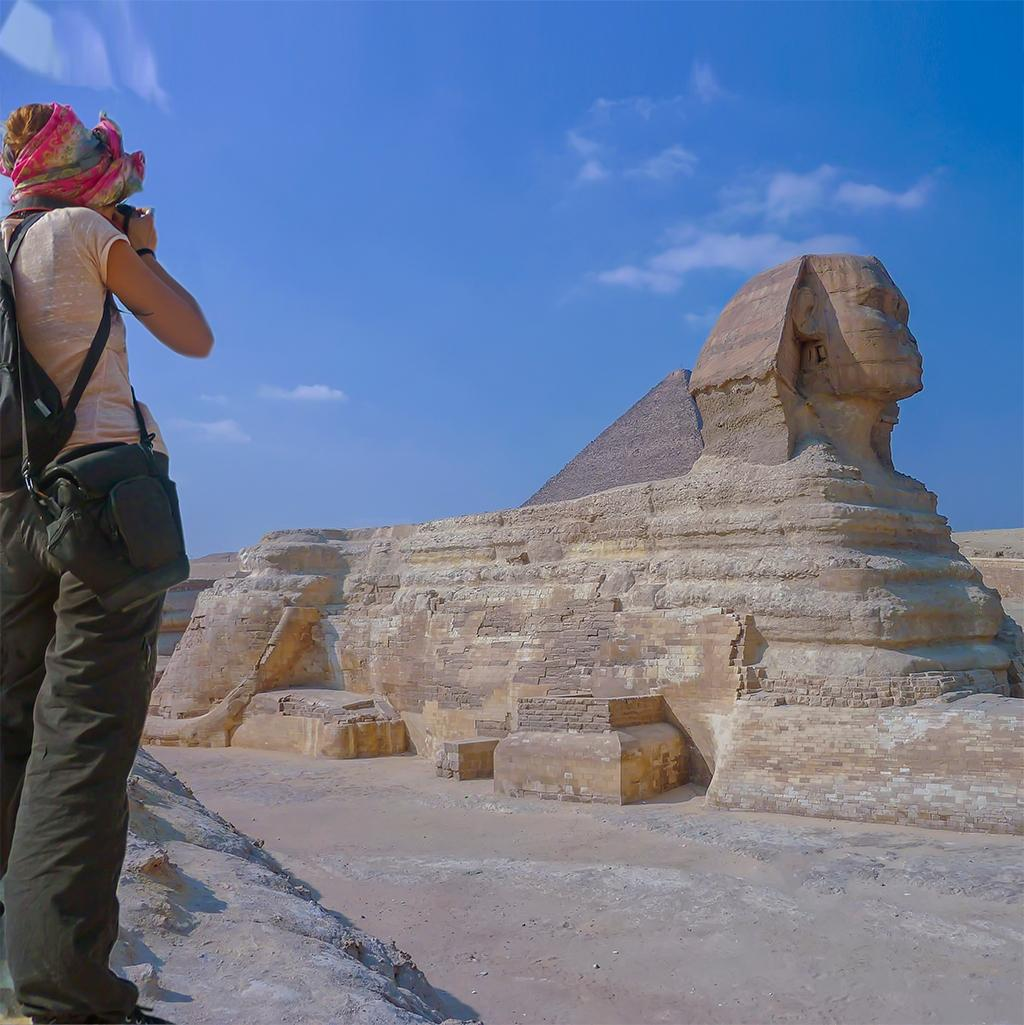 View of the Sphinx and Great Pyramids with Egypt vacation packages