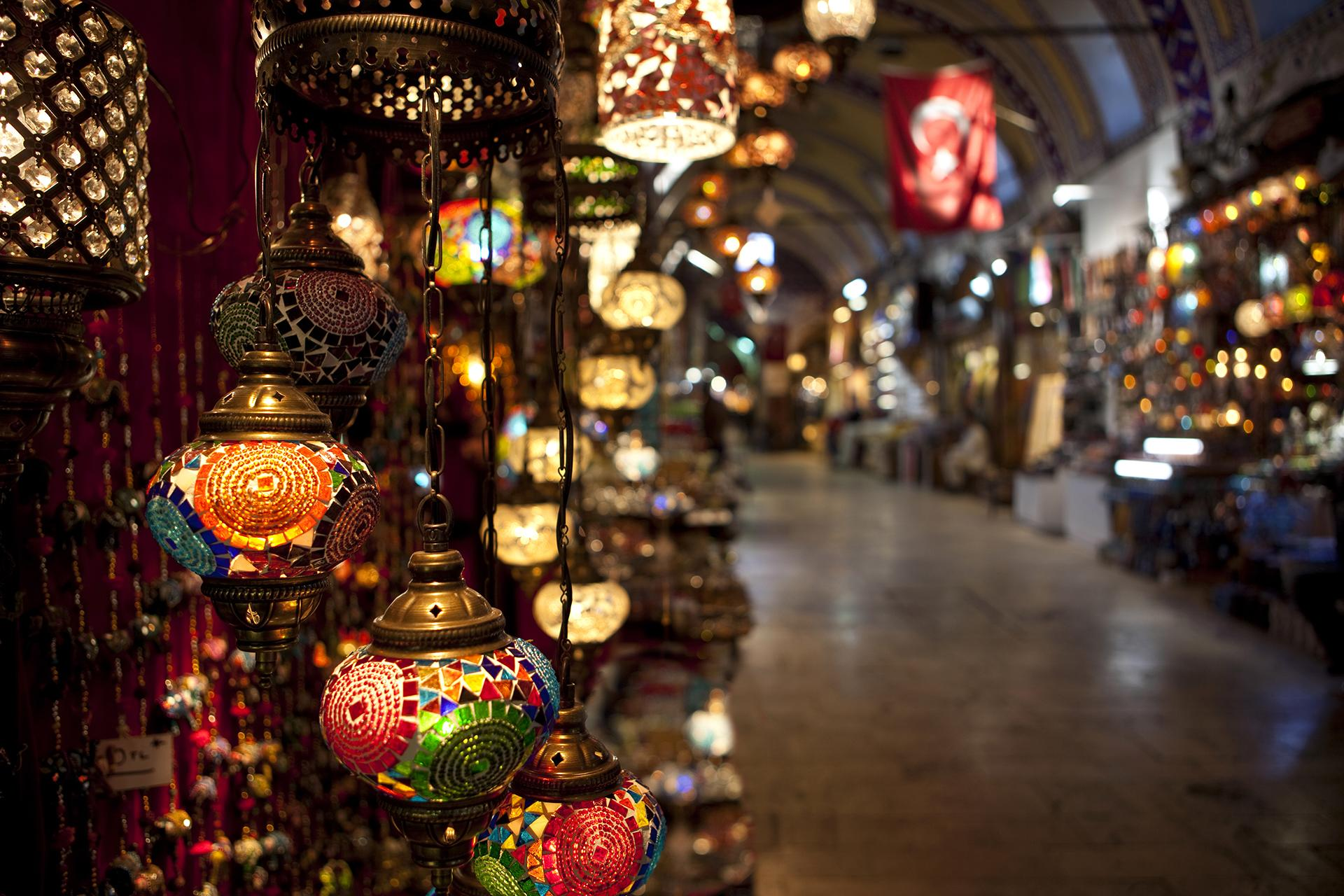 8 World Markets Perfect For Ultimate Holiday Shopping