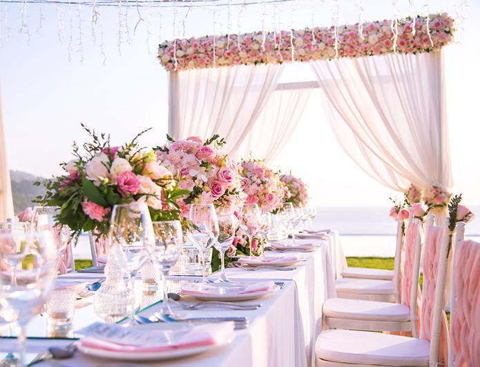 Beach wedding reception tablescape