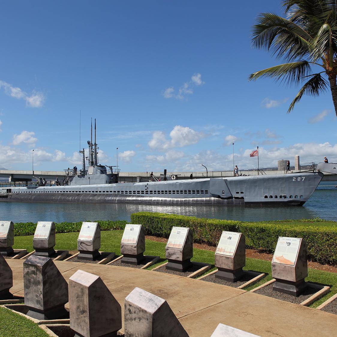 Visit the Pearl Harbor Memorial with Honolulu Cruises