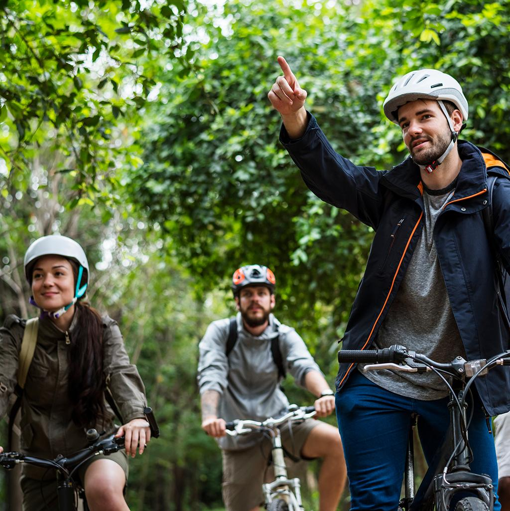 See the world and bring your friends along for an Intrepid Travel Tour