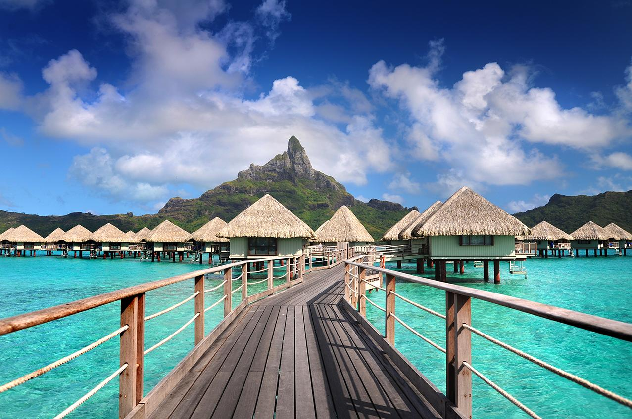 Experience over water bungalows in French Polynesia with Le Meridien