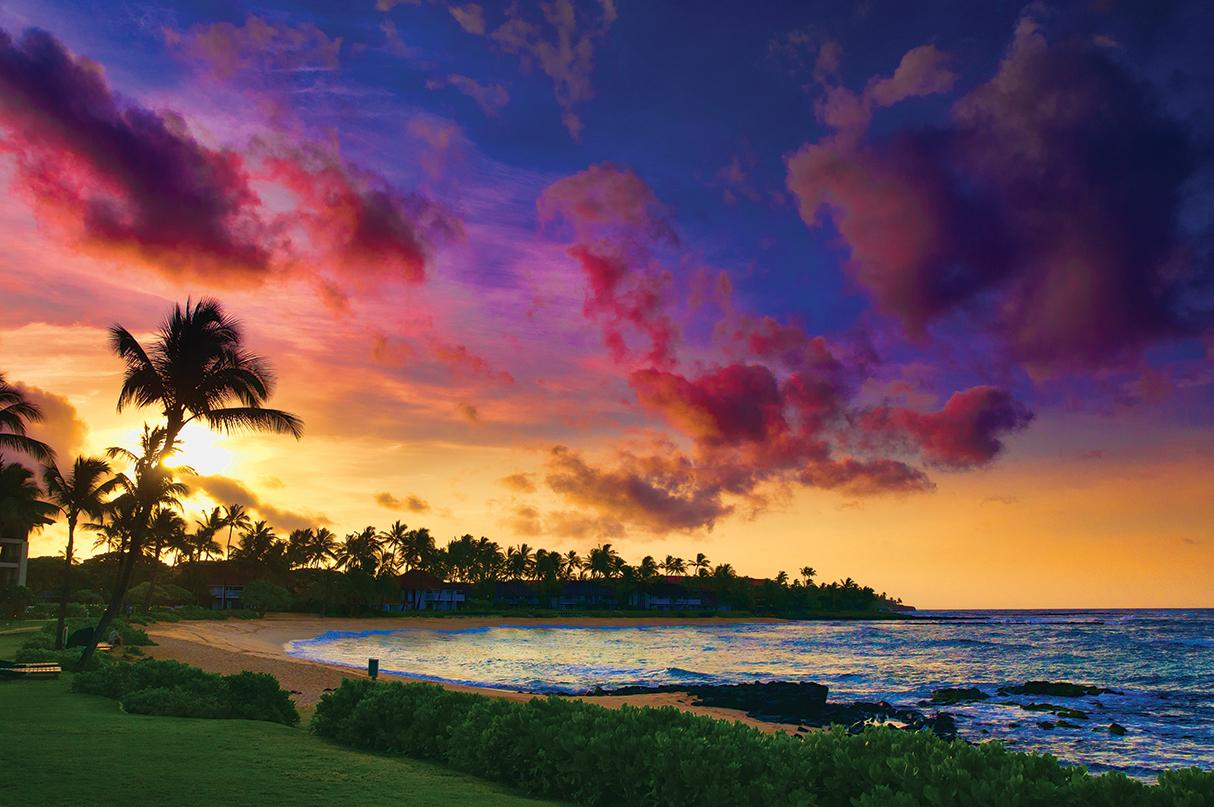 Colorful sunset on the island of Maui in Hawaii