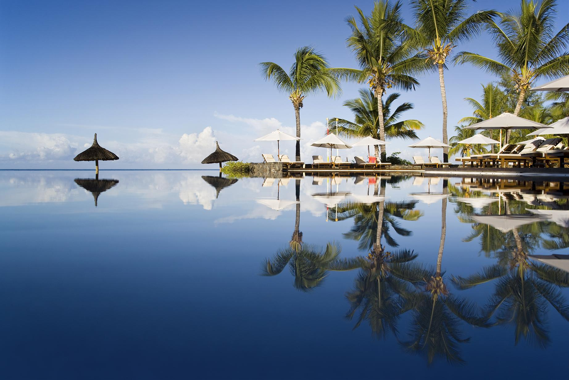 Experience relaxing tropical resorts with Mauritius vacation packages