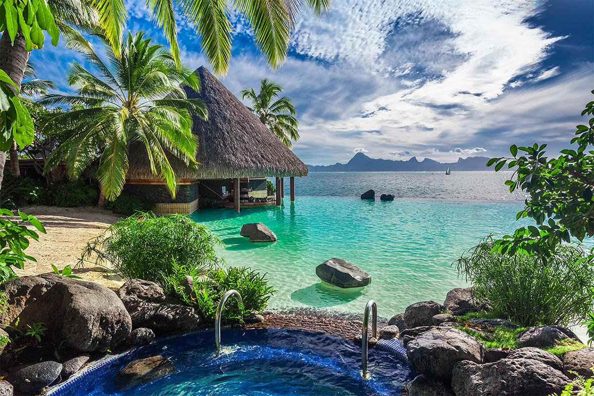 Beautiful waterfront views with Tahiti vacation packages