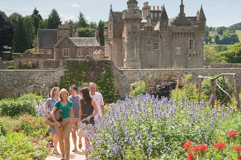 xperience castles and iconic sites with Back-Roads tours