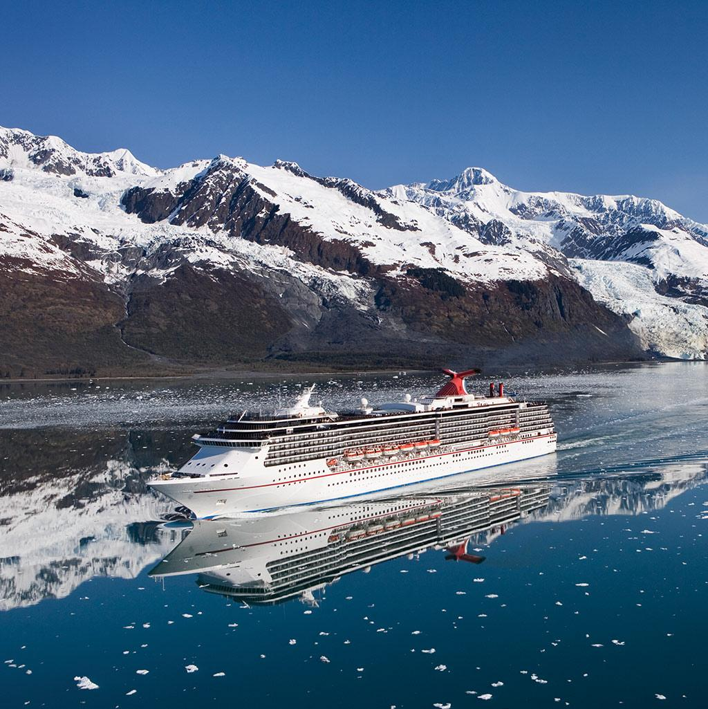 Cruise into Cunard Cruises onboard pub while sailing to your next destination