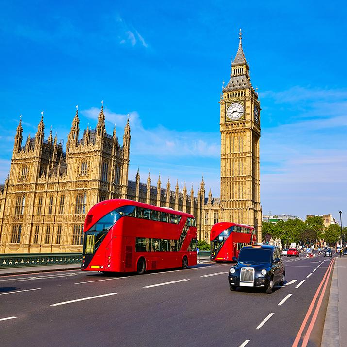 street view of the Palace of Westminster in London - Europe Tour Vacations