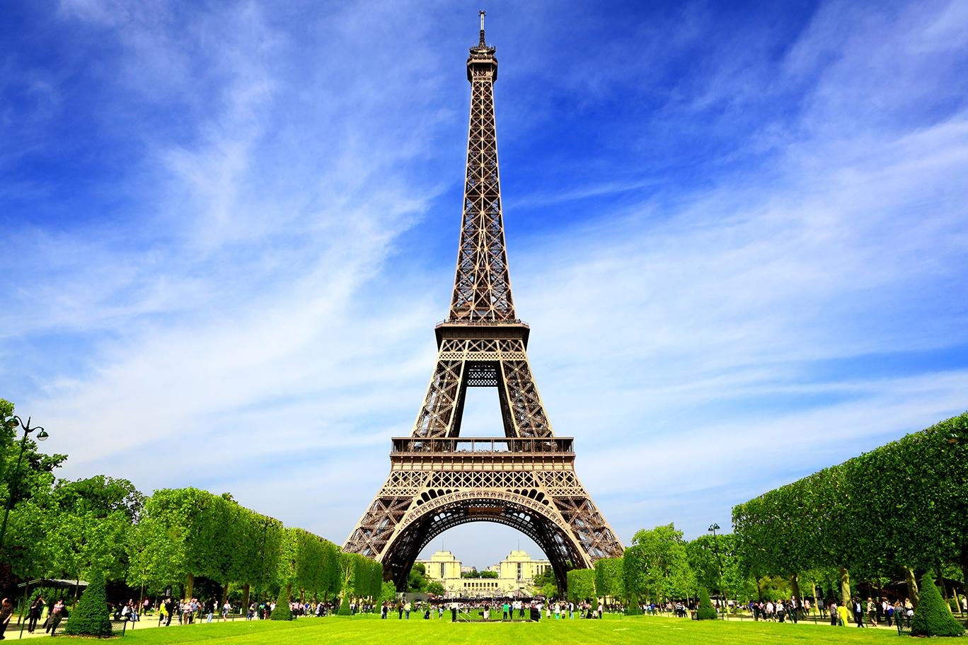 Discover must see attractions in Paris like the Eiffel Tower with France tours & excursions