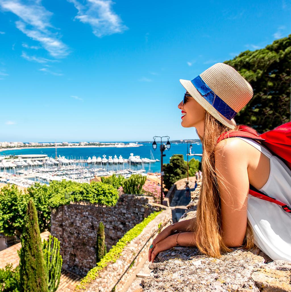 Views of the French Riviera with France vacation packages