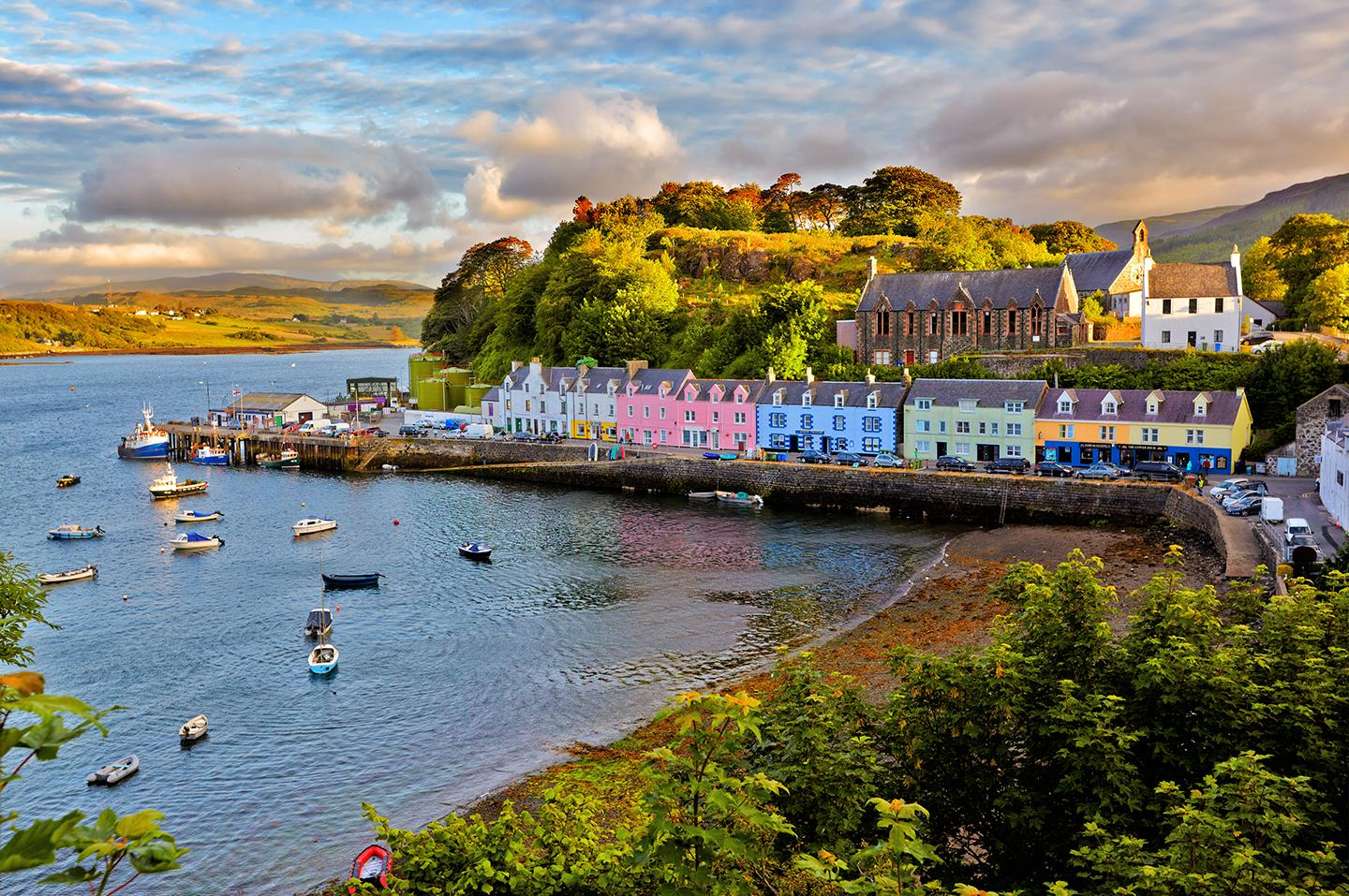 Experience all the charm and culture with Scotland tours & excursions