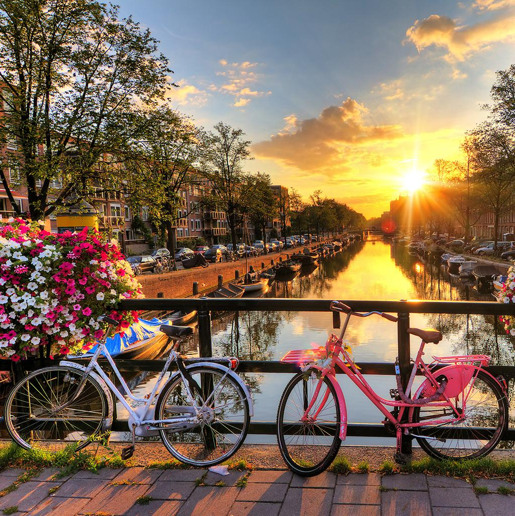 Visit iconic European destinations with student travel